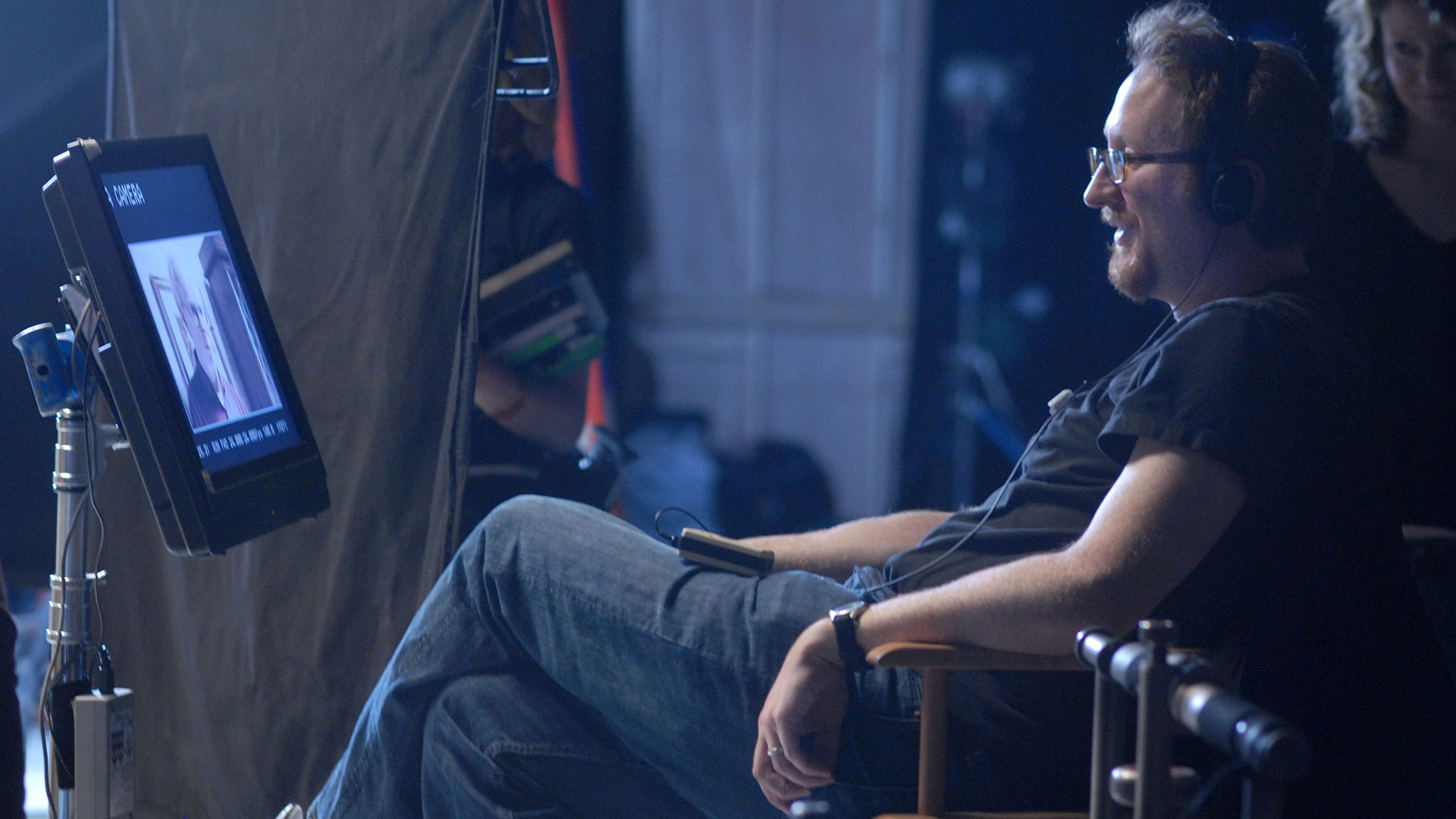James Gray on the set of <i>We Own the Night</i>