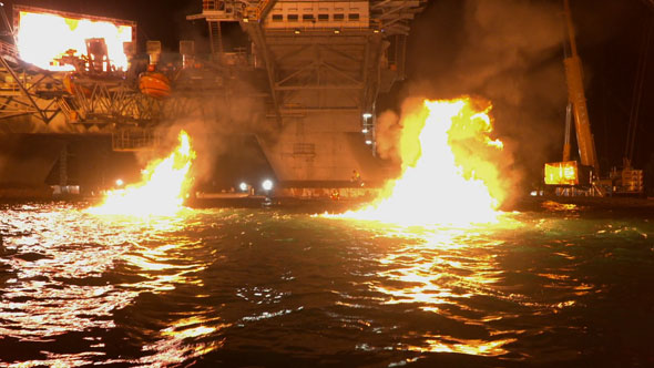 590_fire-on-the-water