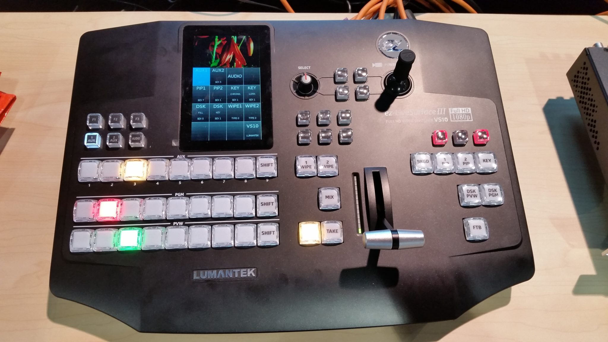 Lumantek VS-10 Switcher
