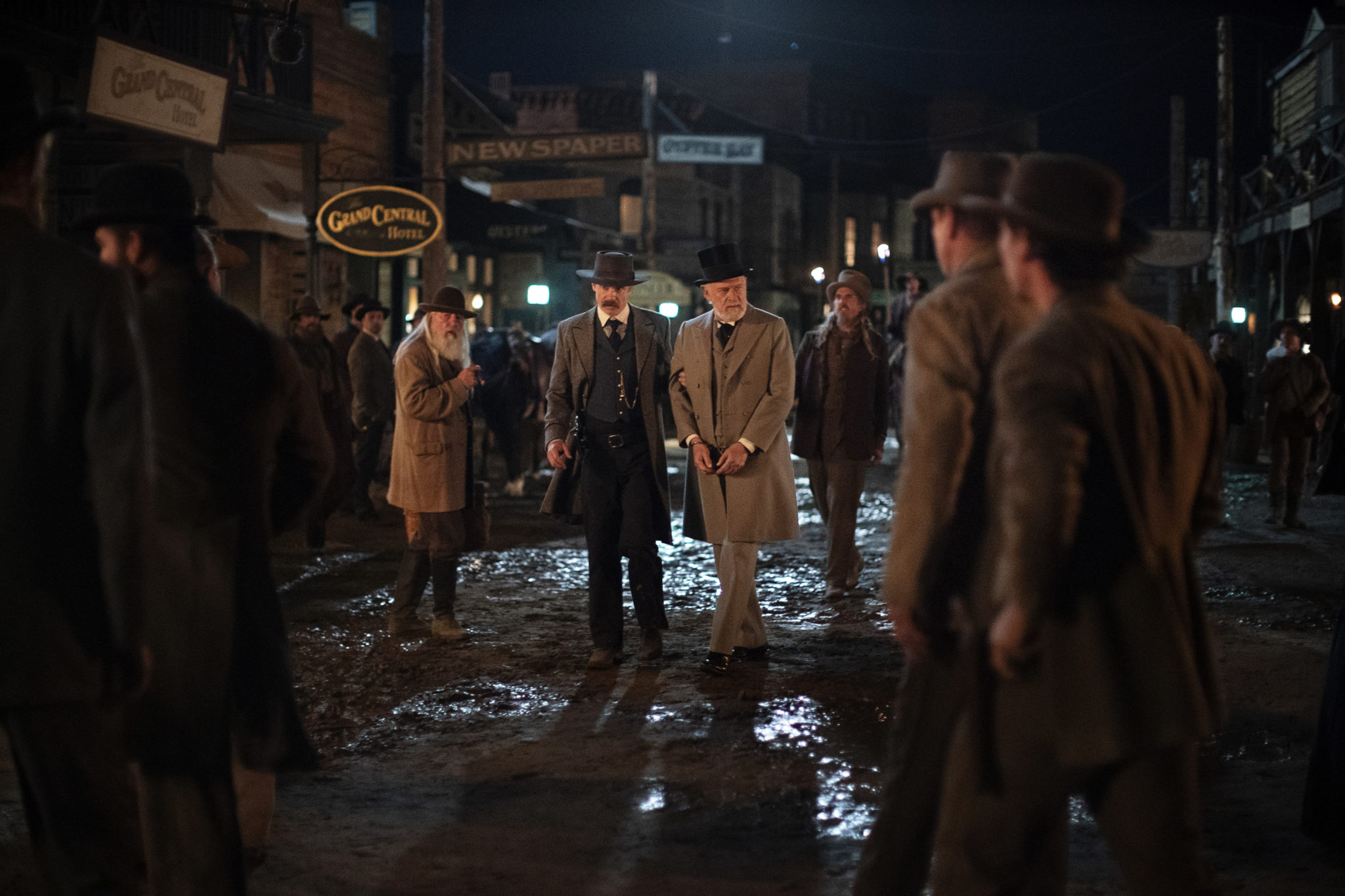 Timothy Olyphant and Gerald McRaney in <i>Deadwood: The Movie</i>